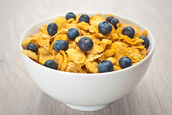 Cornflakes with blueberries.