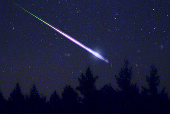 A shooting star of the Leonids meteor shower in 2009